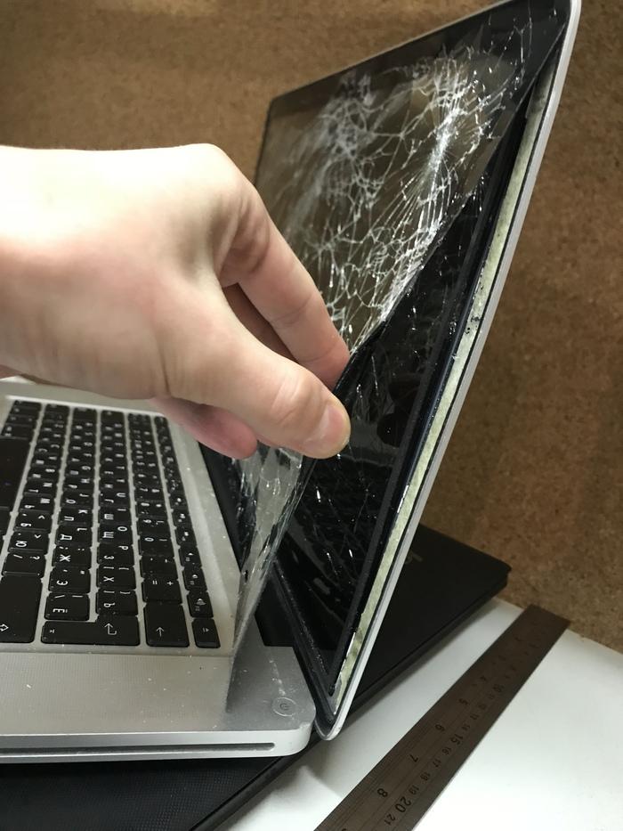 повреждение ноутбука, повреждение экрана ноутбука, разбили экран ноутбука